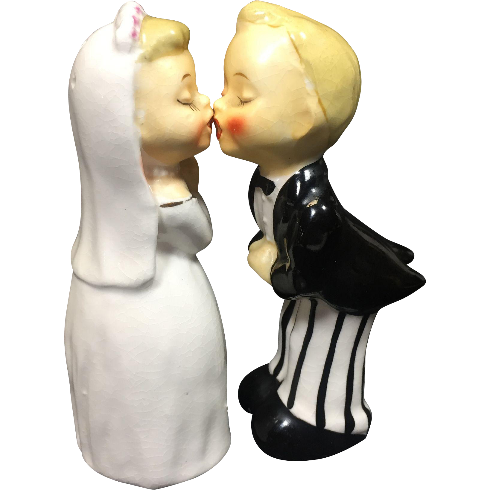 Vintage Bride Groom Kissing Salt Pepper Shakers Napco