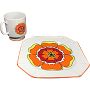 Groovy Retro Flower Lunch Plates and Pedestal Coffee Mugs