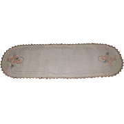 Oval Table Runner Furniture Scarf 1940-50's Beautiful Embroidery
