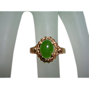 Mid Century Estate 10K Yellow Gold Nephrite Jade Ring