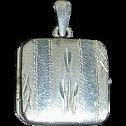 Sterling Silver Italy Diamond Cut Double Locket