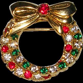 Pretty Cross Over Wreath Christmas Pin