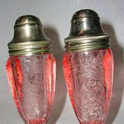 Vintage Jeannette Glass Depression Pink Floral Poinsettia Salt/Pepper