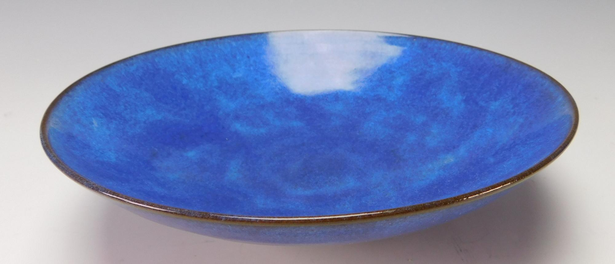 Modernist Gertrude and Otto Natzler Art Pottery Low Bowl Signed