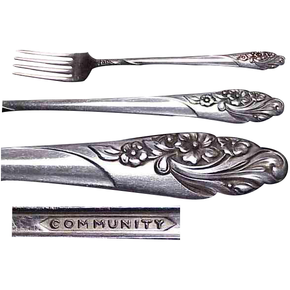 "2 / Community Plate Evening Star Pattern 7 & 1/2"" Viande Forks."