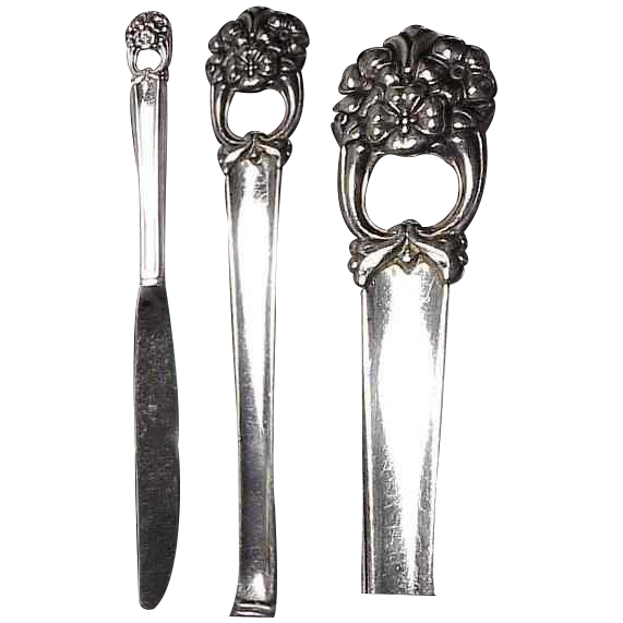 "( 2) 1941 Eternally Yours Silverplated 9 & 1/4"" Knife by 1847 Roger Bros"