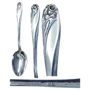Daffodil Pattern 1847 Rogers Silverplate ( 2 ) Soup/Dessert Spoons
