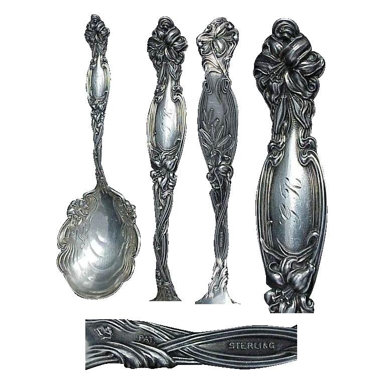 """Large Art Nouveau Frontenac Floral Sterling 9"""" Berry Spoon"""