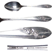 Set of SIX Queen Bess Silverplate Teaspoons