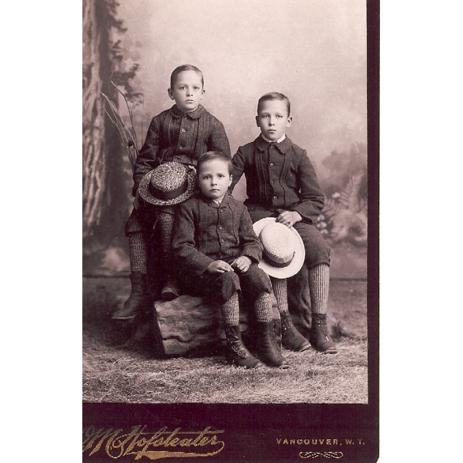 "Cabinet Card with Photo of Brothers"" 3 Buddies"" Vancouver Washington Territory"
