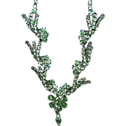 Very Classy & Unusual Green Rhinestone Necklace