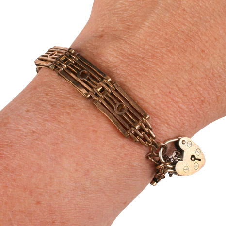 Pretty gold plated gate bracelet w padlock