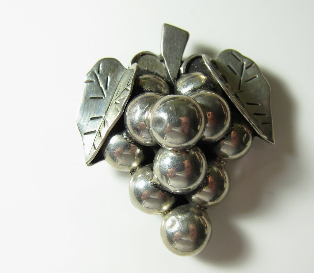 Vintage Mexican Sterling Silver Large 3D Grape Pin Brooch Pendant Mexico