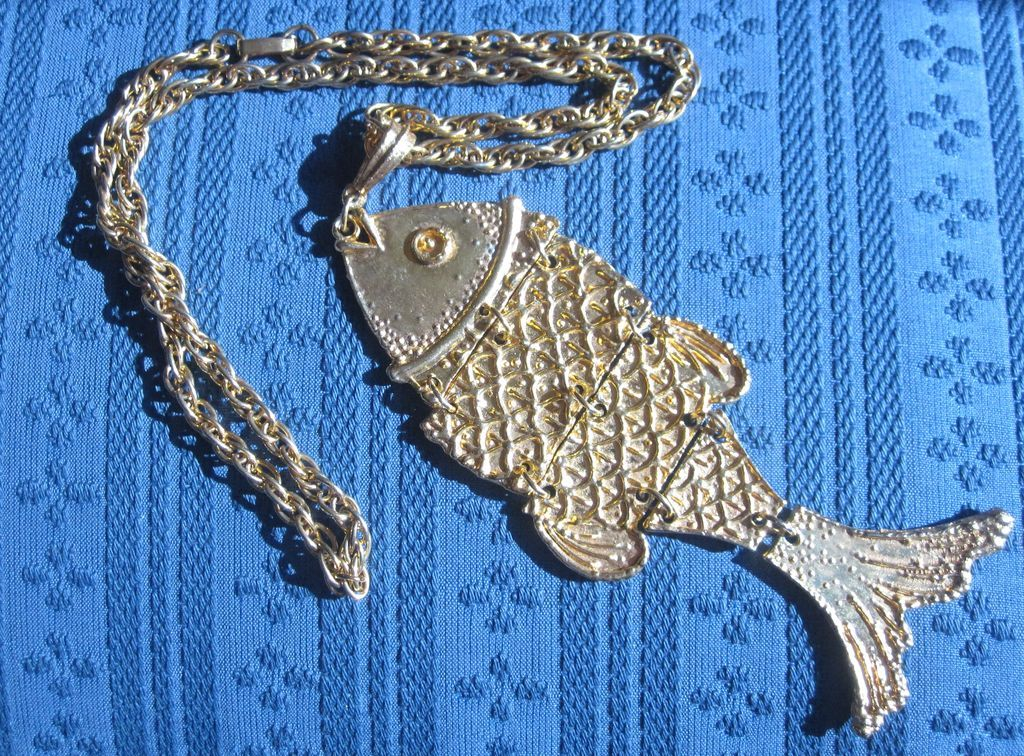 Vintage Unusual Goldtone Large Fish Pendant & Chain