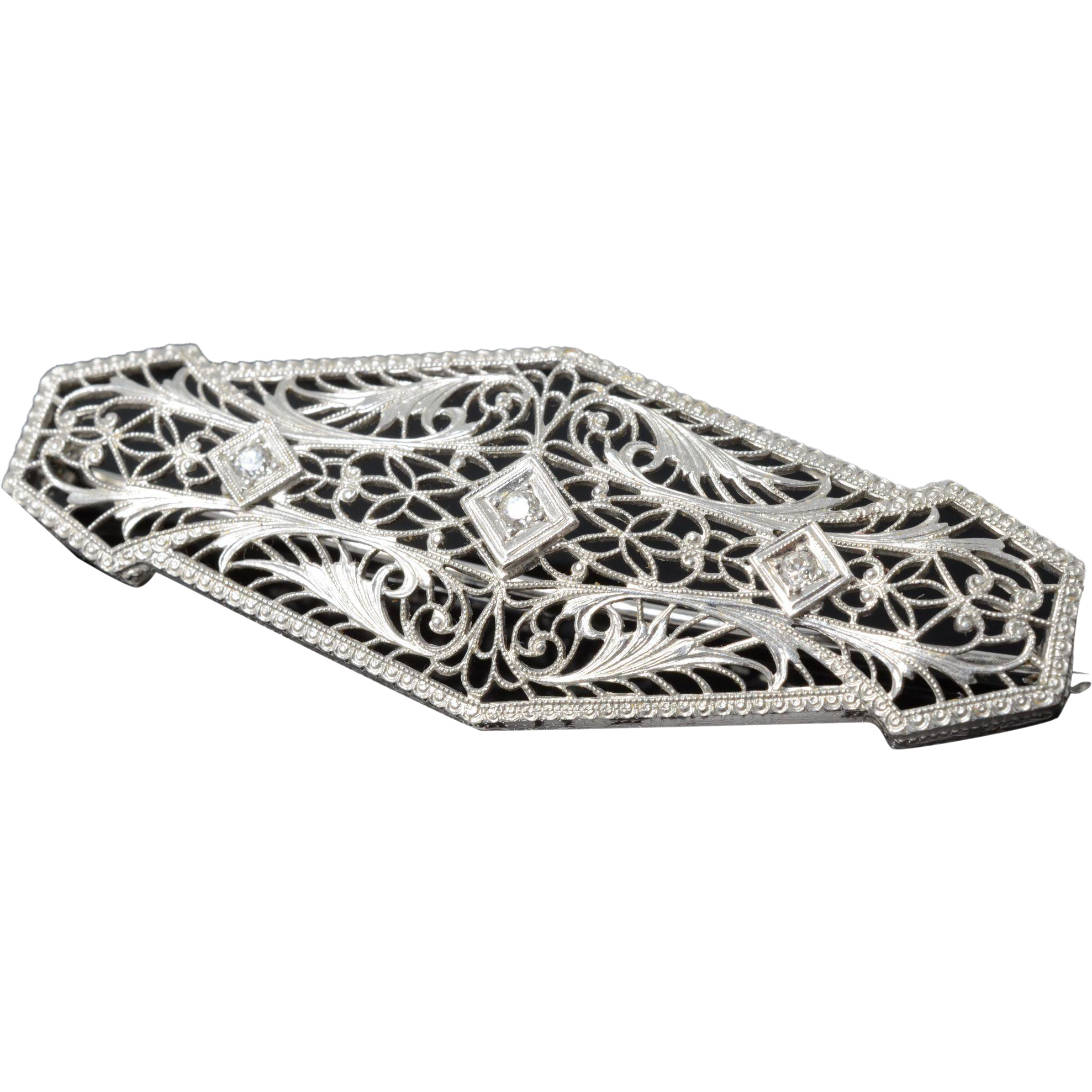 Art Deco 14k Filigree White Gold & Diamonds Brooch
