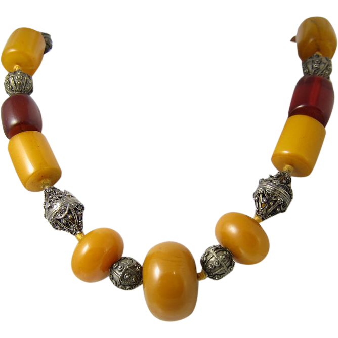 Beautiful Silver & Butterscotch & Honey Amber Bakelite Necklace