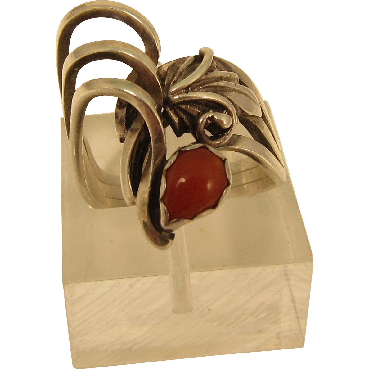 Vintage 925 Sterling Silver and Red Coral Ring