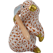 Herend Rust Fishnet Scratching Bunny #15387 Hungary