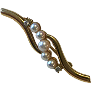Vintage 14k yellow gold White Cultured Pearls & Diamonds Brooch Pin