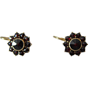 Stunning 14K Yellow Gold and Red Garnets Pierced Earrings