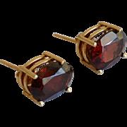 Elegant 14K Yellow Gold Red/Burgundy Garnet Stud Earrings