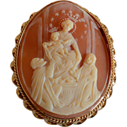 Vintage Religious 14K Yellow Gold & Curved Shell Cameo Brooch/Pendant