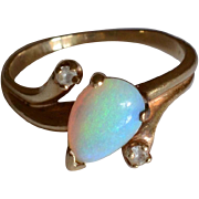 Vintage 14K Yellow Gold & Pear Shaped Opal Ring