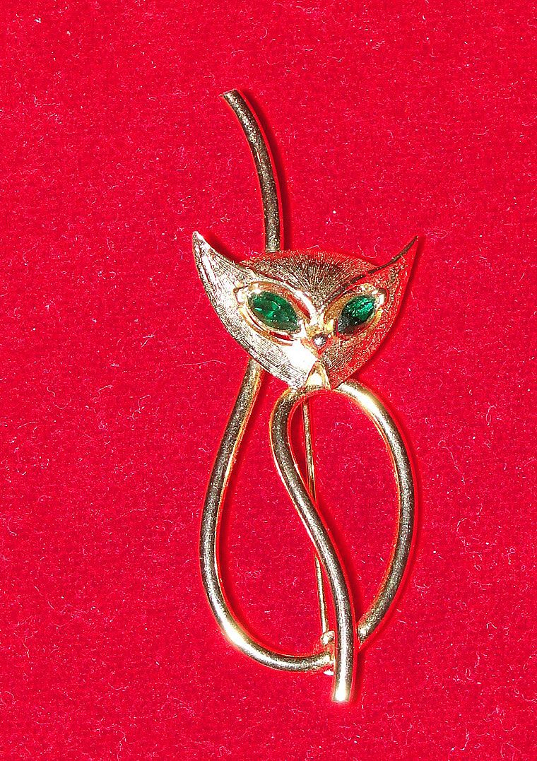 Vintage Emmons Gold  Tone Cat Pin with Green Rhinestone Eyes