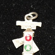 Vintage Mechanical Hollywood and Vine Traffic Light Charm