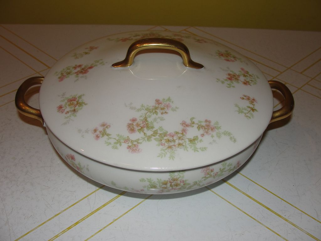 "Limoges ""Florale"" Round Covered Vegetable Bowl - b24"