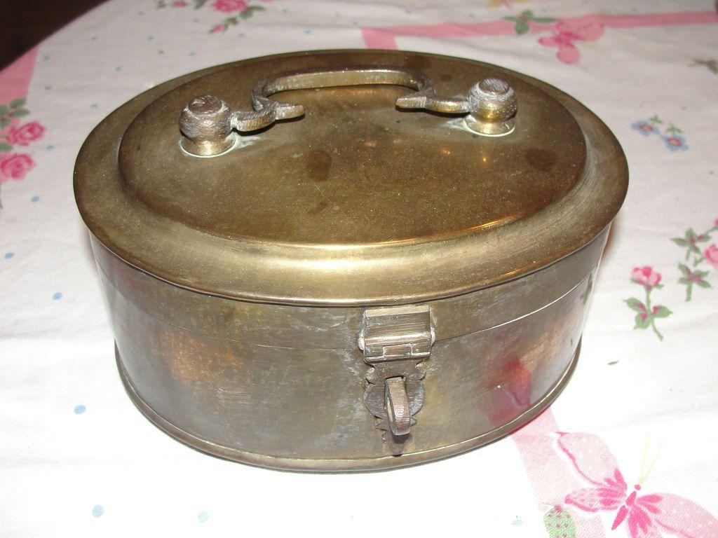 Oval Brass Hinged Box - b23