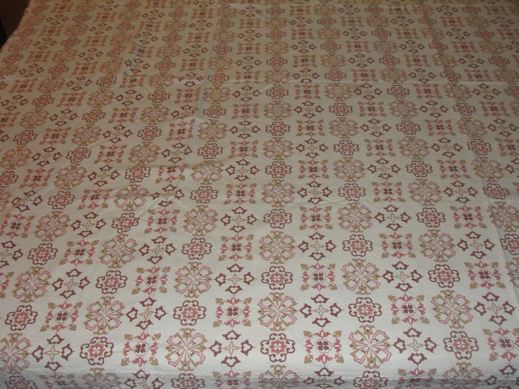 Homespun Earth-tone Pique Tablecloth - b22