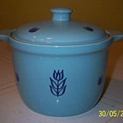 "Cronin China ""Tulip"" Bean Pot w/lid"