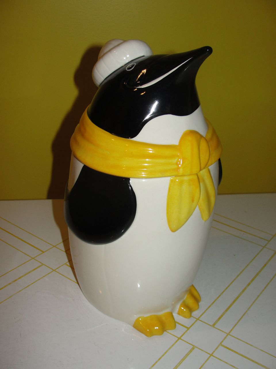 Metlox Frosty the Penguin Cookie Jar