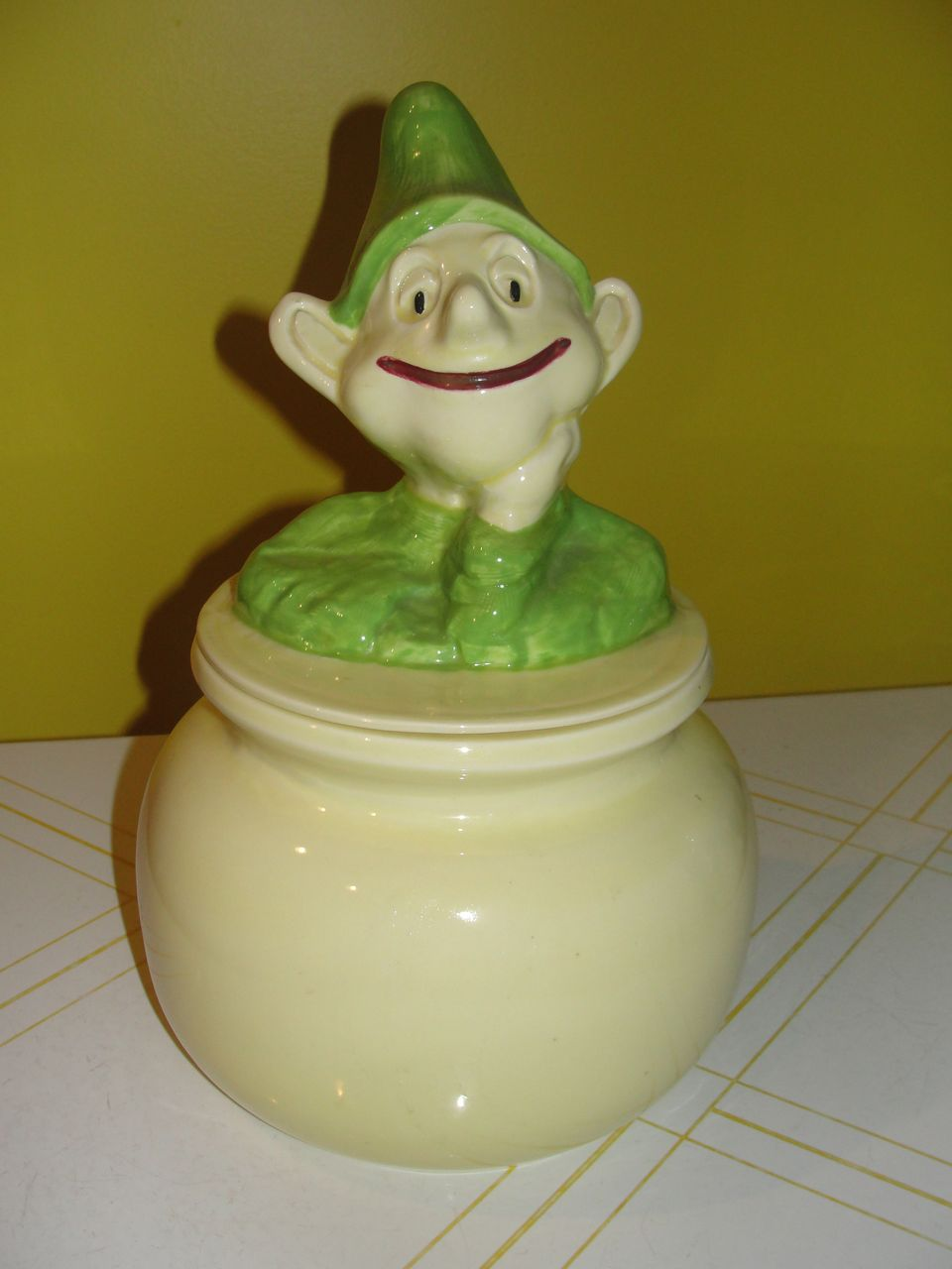 Doranne of California Leprechaun on Pot of Gold Cookie Jar