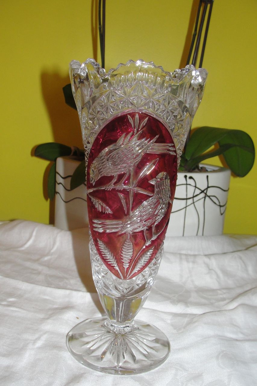 Hofbrauer Crystal Byrdes Collection vase - b24