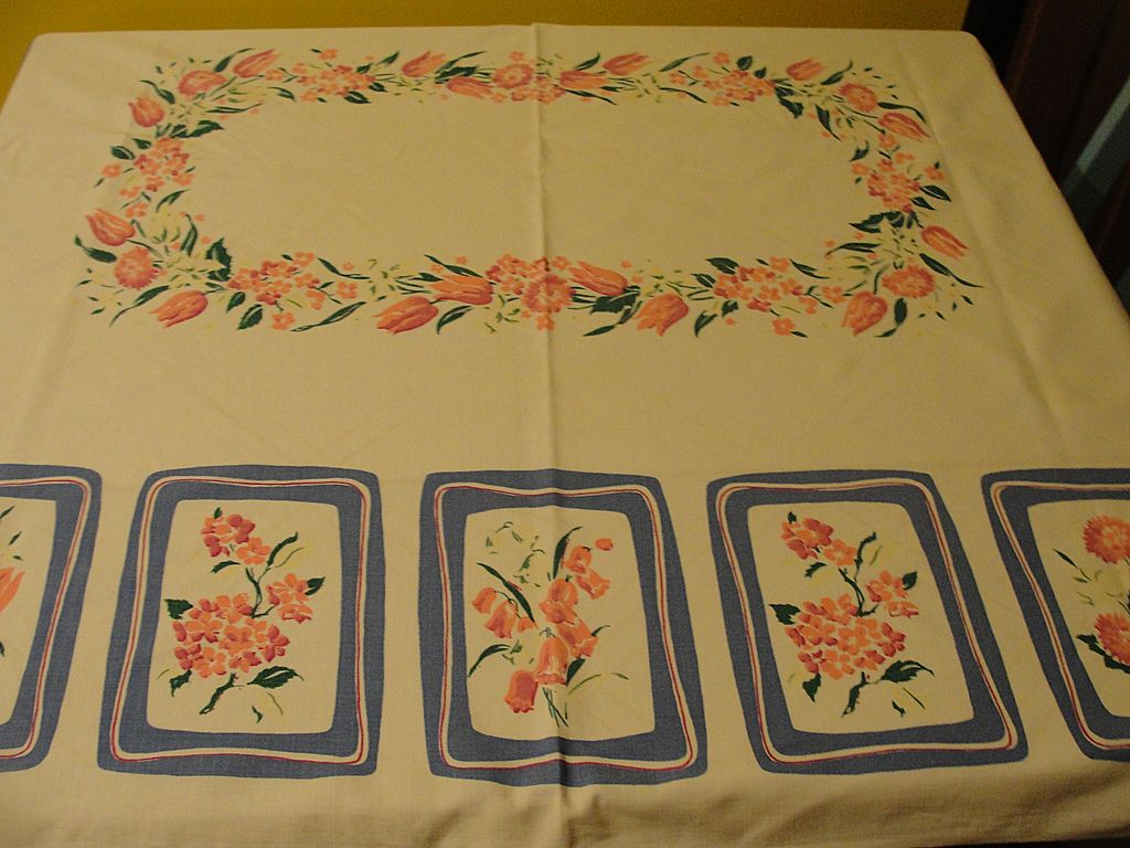 Bunches of Pink Tulips Tablecloth - b222