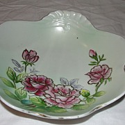 Gold Trimmed ''Shell'' Bowl with Roses - b57
