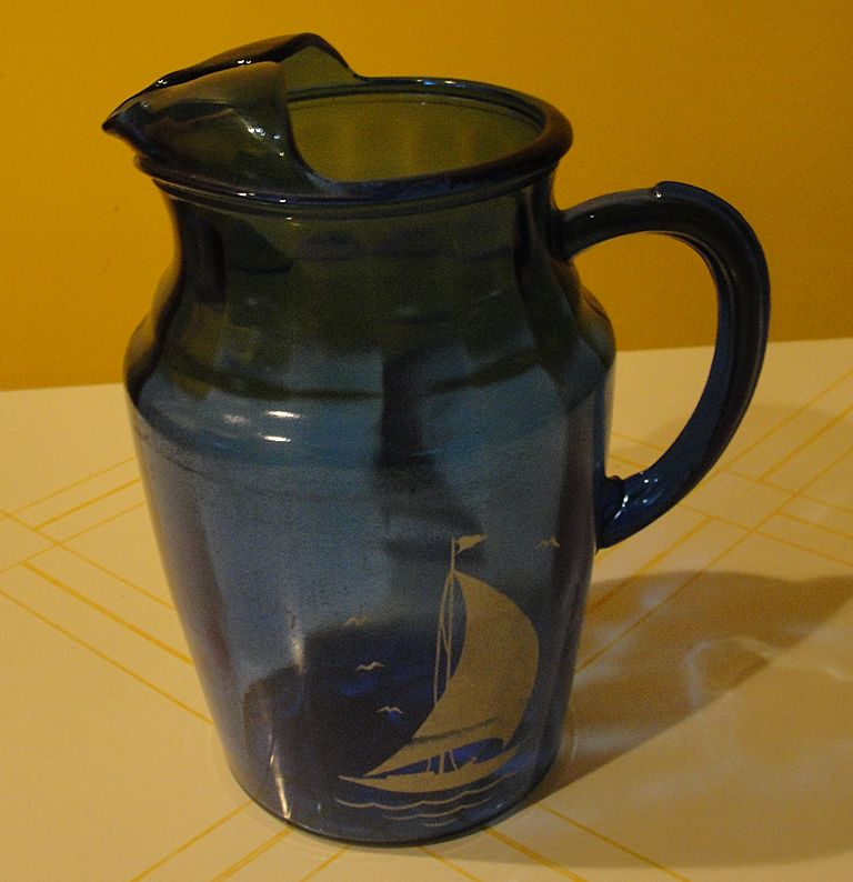 "Hazel Atlas ""Ships'' Cobalt Blue Glass Pitcher - b32"