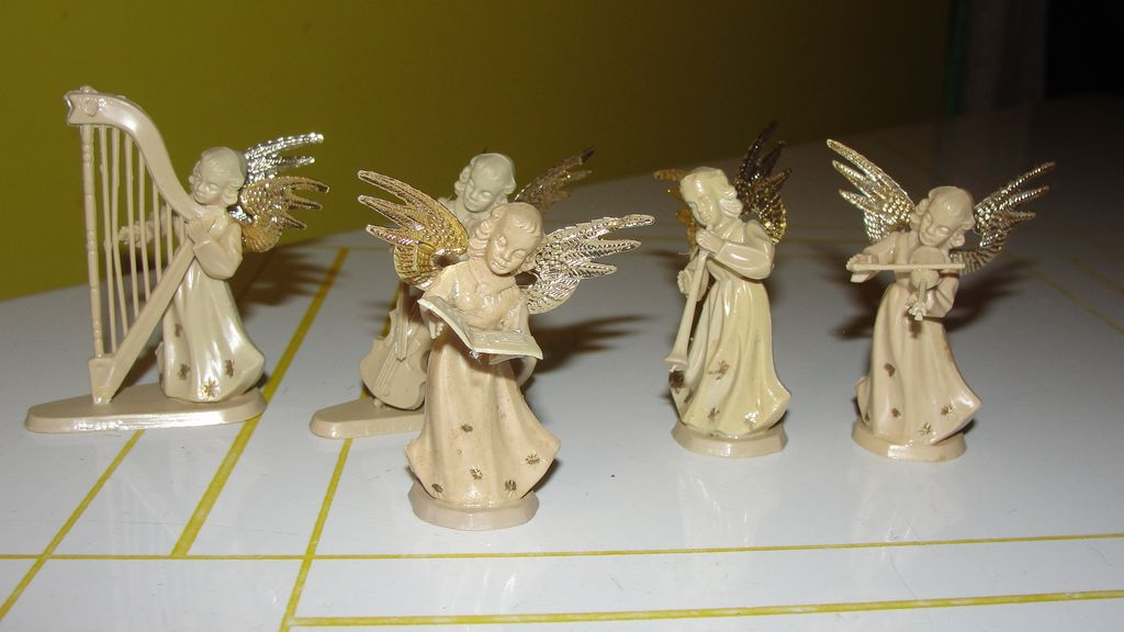 5 Piece Angel Orchestra and choir Christmas Decorations - b208