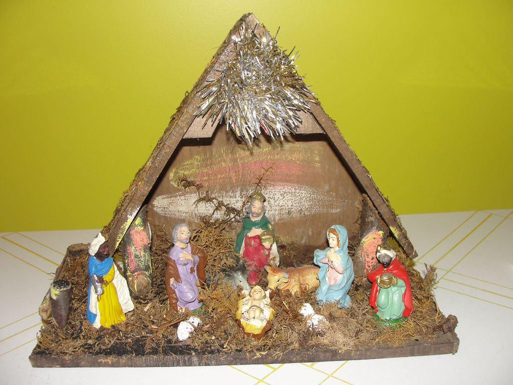 Made in Italy Manger - Nativity - Creche - b40