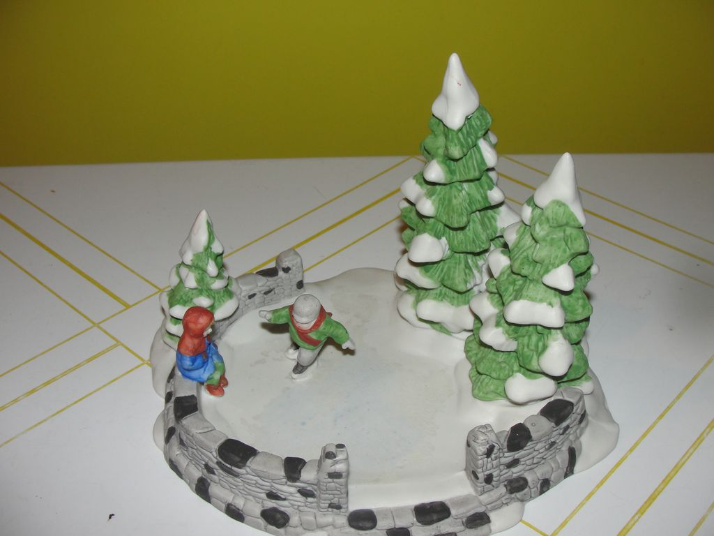 Dept 56 Christmas in the City Skating Pond #65455