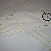 Swinging 60's White Gloves with Silver Buckles - b34