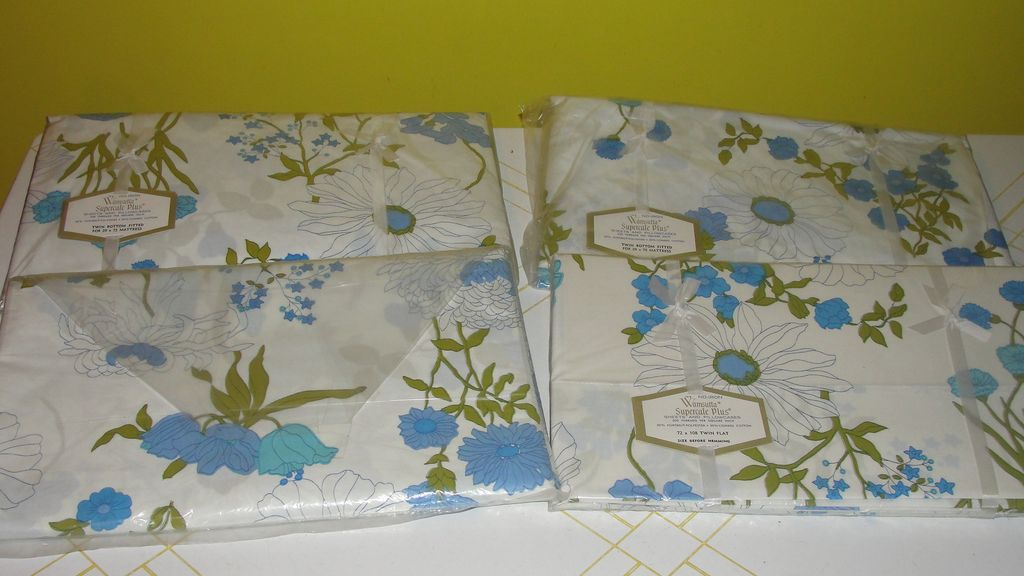 Wamsutta Supercale Plus Blue Flower Print Twin Size Sheets - b39