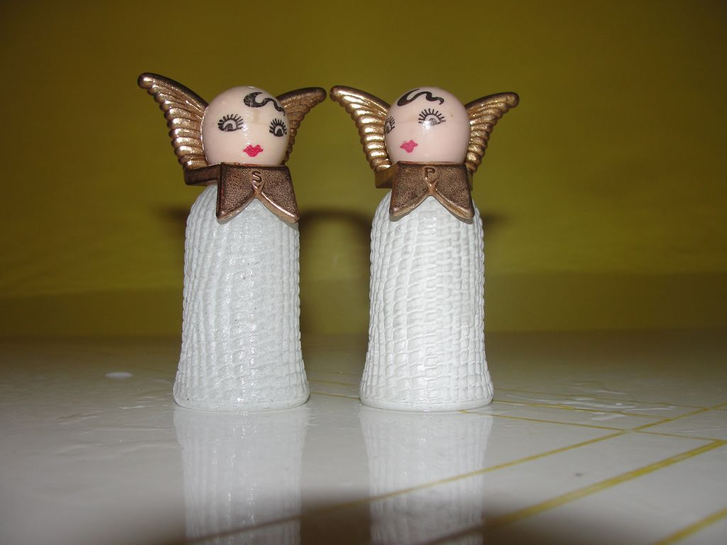 Angels with curls Salt and Pepper shakers