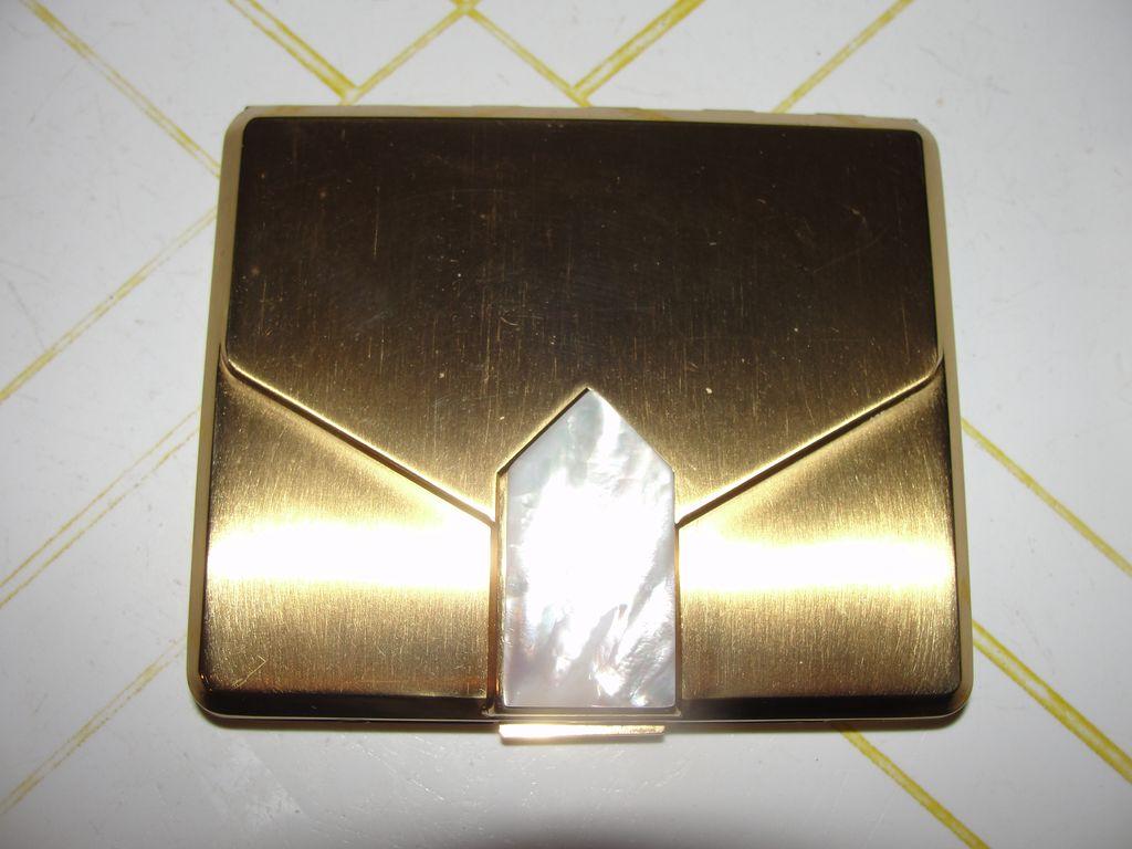 The Envelope please Elgin American Compact - b38