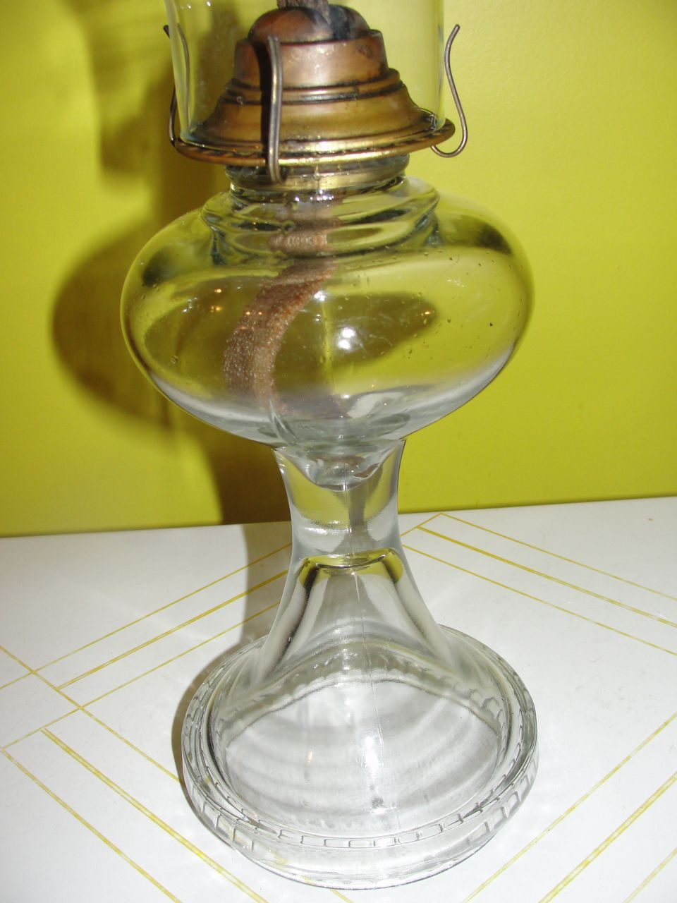 Ribbed Around the Bottom Kerosene Hurricane Lamp - b42