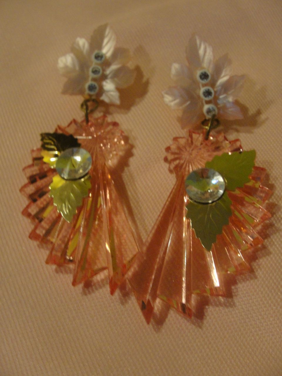 Fan-cy Pink Dangling Pierced earrings - Free shipping
