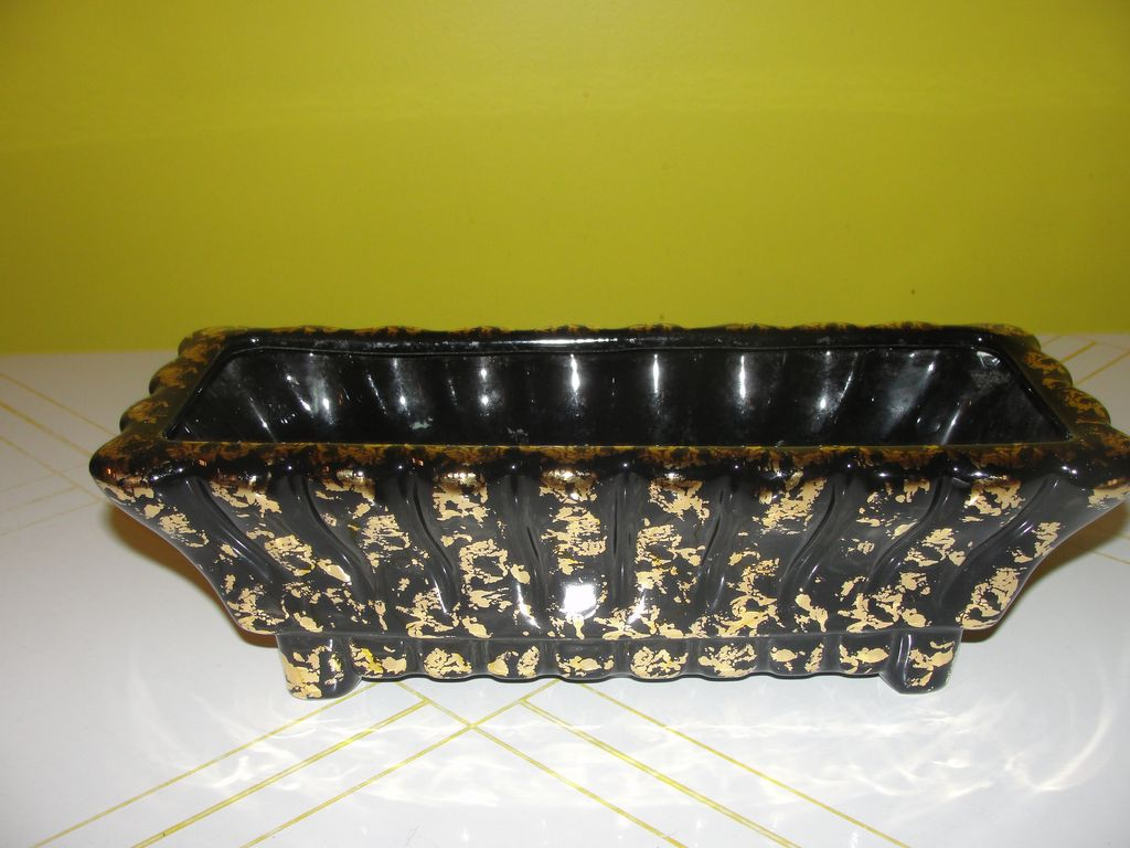 Dramatic Black and gold Stanford Planter - b43