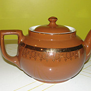 Hall 8-cup Brown with Gold Trim Tea Pot - b43
